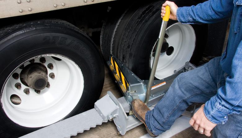 Safetech manual Vehicle Restraint