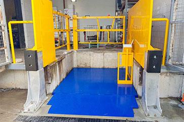 Coles Bicton WA Dock Hoist 01